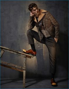 Top model Kit Butler takes the cover story of The Financial Times - How To Spend It's October 2016 Menswear Special issue captured and styled by Damian Foxe Fashion Tape, Boy Fashion, Mens Fashion, Poses For Men, Male Poses, Kit Butler, Blake Steven, Men Photoshoot, Miami Fashion