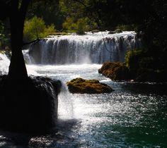 Pequeña cascada cerca de Tambaca