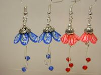 Flower Petal Earrings by Lisa Haney made with Makin's Clay® no bake, air dry polymer clay - http://www.makinsclayblog.blogspot.com/2015/08/flower-petal-earrings-by-lisa-haney.html