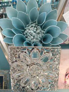 El poder del cristal y las flores para decorar en www.virginia-esber.es