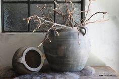 Oude Chinese kruik grijs M Sober, Home Decor, Dekoration, Interior Design, Home Interior Design, Home Decoration, Decoration Home, Interior Decorating