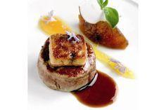 Descubre esta receta de lo más creativa: unas hamburguesas de pato con piña deliciosas. ¡Que ricas están!