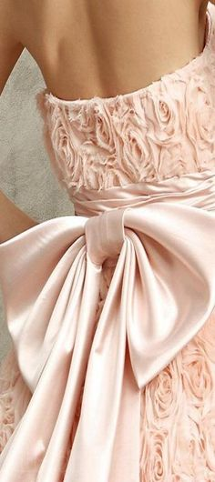 bow fashion in details