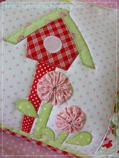 cute-use pix for inspiration, no pattern or directions here.  http://katrosblog.blogspot.nl/2012/04/vankuse.html
