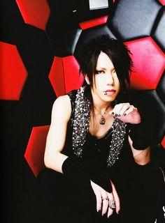 Yuu (Aoi) Shiroyama (the GazettE) ♡ω♡ (*^。^*)