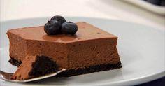 Bobuľky čučoriedok si veselo posedávajú na tom najčokoládovejšom cheesecaku. Najskôr si doprajete lahodný krém a potom sa zahryznete do chrumkavého korpusu zo sušienok Oreo.