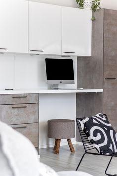 Timanttikiteenkuja 10: Kitchen Office Desk, Kitchen, Furniture, Home Decor, Desk Office, Cooking, Decoration Home, Desk, Room Decor