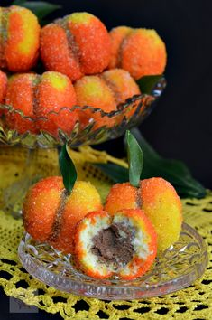 Piersici umplute cu crema - CAIETUL CU RETETE Dessert Cake Recipes, Dessert Drinks, Sweets Recipes, Sweet Desserts, Cheesecake Recipes, Vegan Desserts, Healthy Dinner Recipes, Peach Cookies, Romanian Desserts