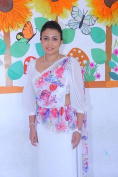 Saree Jackets, Saree Styles, Saree Blouse Designs, Saree Wedding, Indian Sarees, Amy, Brides, Ivory, Blouses