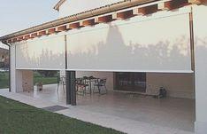 Toldos Enrollables Verticales - - Toldos Enrollables Verticales – Imágenes efectivas que le propor - Outdoor Blinds, Outdoor Privacy, Outdoor Shade, Patio Shade, Pergola Shade, Outdoor Decor, Casa Patio, Patio Roof, Pergola Patio