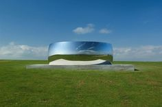 Curved Steel Walls Reflect an Upside Down World - My Modern Metropolis by Anish Kapoor