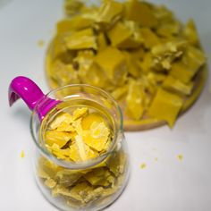 Crushed beeswax