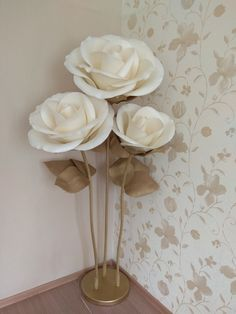 Big Paper Flowers, Tissue Paper Flowers, Giant Paper Flowers, Real Flowers, Diy Flowers, Flower Decorations, Floral Backdrop, Paper Flower Backdrop, Dragonfly Decor