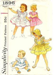 Vintage Pattern Simplicity 1896 Toddler's Dress, Pinaflore and Bonnet Size 3 Sewing Patterns Girls, Girl Dress Patterns, Vintage Dress Patterns, Kids Patterns, Doll Patterns, Vintage Girls, Vintage Children, Robe Pinafore, Patron Vintage