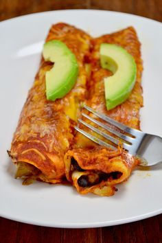 VEGGIE ENCHILADAS Don't know why this wouldn't work w/cashew cream instead of cream cheese...  onion garlic  green pepper olive oil  corn cream cheese whole wheat tortillas  mexican cheese black beans paprika cumin chili powder lime