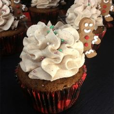20 Moist And Fluffy Cupcakes Recipes - Karen Monica Maple Bacon Cupcakes, Caramel Apple Cupcakes, Easy Vanilla Cupcakes, Fluffy Cupcakes, Moist Cupcakes, Baking Cupcakes, Yummy Cupcakes, Moist Cupcake Recipes, Homemade Cupcake Recipes