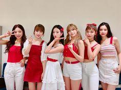Welcome to Apink Channel! Kpop Girl Groups, Korean Girl Groups, Kpop Girls, Pop Fashion, Fashion Outfits, Eunji Apink, Pink Panda, Mnet Asian Music Awards, Girl Bands