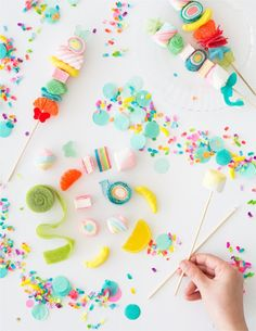 7 Tips to Make Perfect Candy Kabobs! (Oh Happy Day! Candy Party, Party Treats, Party Desserts, Wall E, Unicorn Birthday, Unicorn Party, Cake Pops, Candy Kabobs, Candy Shop