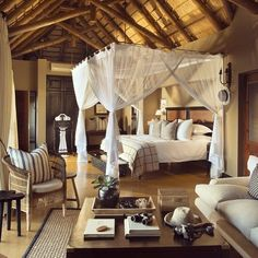 Africa Safari Lodge, Africa Decor, Tropical Bedrooms, Safari Decorations, Lodge Decor, Lodges, Safari Chic, Canopy Bedroom, Mosquito Net