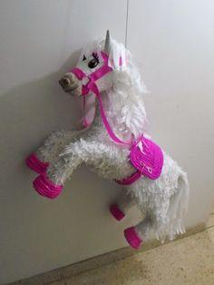 piñatas de caballos - Buscar con Google Cowgirl Birthday, Cowgirl Party, Birthday Fun, Third Birthday, Farm Themed Party, Farm Party, Horse Pinata, Disney Princess Birthday Party, Horse Party