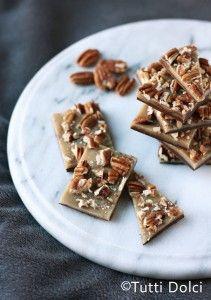 Oh my, yummy yummy.....  Salted Caramel-Pecan Bark | Tutti Dolci
