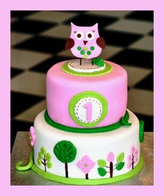 I like how this one is a little different than all the other owl cakes.