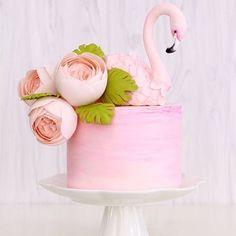 @vanillecouture beautiful cake