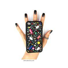 스무치 _ 아이폰케이스 _ BEADZ BIRD IPHONECASE #스무치 #커스텀폰케이스 #핸드메이드폰케이스 #아이폰케이스 #smooch #handmade #customphonecase #iphonecase #uniquephonecase #beads #beadzbird #black