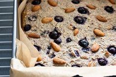 buckwheat berry bake Buckwheat, Gluten Free Baking, Coconut Oil, Berry, Perspective, Almond, Oatmeal, Breakfast, Recipes