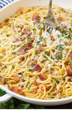 Pasta Carbonara – this is the BEST Pasta Carbonara! Easy enough for a weeknight … Pasta Carbonara – this is the BEST Pasta Carbonara! Easy enough for a weeknight …, Carbonara – this is the BEST Pasta Carbonara! Easy enough for a weeknight … – Easy Pasta Recipes, Pasta Salad Recipes, Easy Meals, Dinner Recipes, Cooking Recipes, Cooking Games, Cooking Chef, Recipe Pasta, Cooking Rice