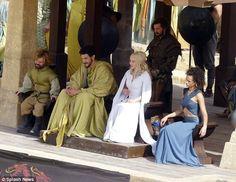daenerys targaryen season 5 | Photo de Game of Thrones saison 5 : Daenerys et Tyrion à l'arène de ...