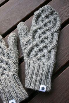 Knit Mittens, Music Notes, Winter, Winter Time, Sheet Music, Song Lyrics, Winter Fashion, Music Sheets