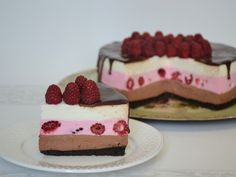Tort trio cu crema de zmeura, ciocolata si mascarpone - imagine 1 mare