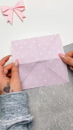 Cool Paper Crafts, Paper Crafts Origami, Diy Crafts Hacks, Diy Crafts For Gifts, Instruções Origami, Paper Flowers Diy, Projects, Craft Tutorials, Paper Crafts For Kids