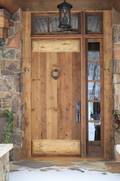 40 Atemberaubende Rustikale Eingangsdekoration Ideen The Effective Pictures We Offer You About wooden doors with windows A quality picture can tell you many things. Rustic Entryway, Rustic Doors, Entryway Decor, Entryway Ideas, Wooden Door Design, Front Door Design, Rustic Exterior, Exterior Doors, Wood Entry Doors