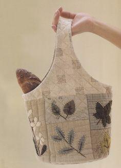 How to make tutorial flower shoulder tote Bag Handbag purse women sewing quliting quilt patchwork applique pdf pattern patterns ebook. $6.00, via Etsy.