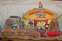 Disneyana-1930s-LIONEL-MICKEY-MOUSE-CIRCUS-TRAIN-with-all-accessories-and-box