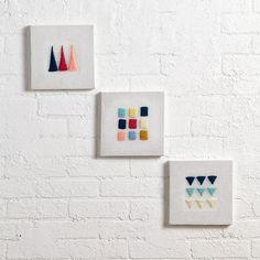 Display embroidery using canvas stretchers