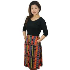 This fitted black top artfully flows into a lively bookshelf that is sure to elicit the imagination of any woman who loves to read, both in and outside of the lines. The skirt is outfitted with pockets, perfect for storing all sorts of secrets. Teacher Dresses, Teacher Outfits, Teacher Fashion, Teacher Clothes, Teacher Wardrobe, School Outfits, Curvy Fashion, Plus Size Fashion, Petite Fashion