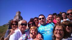 Selfie en grupo. Atienza. Visitas guiadas en la provincia de Guadalajara y Alcalá de Henares. Podéis contactar a través del formulario de contacto de la web www.guiadosenguadalajara.es o ✆ 679 97 65 03.