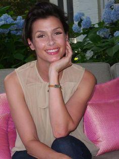 Bridget Moynahan, Bff Bracelets, Blue Bloods, Bffs, Love Her, Short Hair Styles, Celebs, Actresses, Portrait