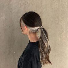 Hair Color Streaks, Hair Dye Colors, Hair Highlights, Hair Inspo, Hair Inspiration, Hair Color Underneath, Aesthetic Hair, Dye My Hair, Half Dyed Hair