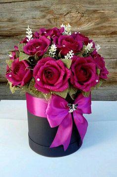 Ideas For Flowers Bouquet Diy Flanel Paper Flowers Craft, Crepe Paper Flowers, Flower Crafts, Diy Flowers, Flower Box Centerpiece, Rose Flower Arrangements, Flower Box Gift, Flower Boxes, Diy Bouquet