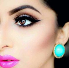 Bylabella on instagram. Love the pops of colors here. Makeup for brown eyes, latina inspiration, wing tip liner, fuschia lip, bright pink lip, magenta lip, green, turquoise earings.