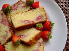 Yogurt cake with strawberries   Bolo de Iogurte com Morangos   Meu Livro de…