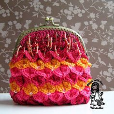 Crocodile stitch evening purse designed by Vendula Maderska Crochet Coin Purse, Crochet Tote, Crochet Handbags, Crochet Purses, Knit Crochet, Crochet Crocodile Stitch, Sewing Patterns, Crochet Patterns, Crochet Ideas