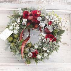 "juju på Instagram: ""2019・12・1 12月に、なりましたね~早い😣 今年は、開校15周年、10/21からは、16年目を迎える事ができました。 皆様に、心からの感謝の気持ちを込めて クリスマスリース2点を感謝価格にて 販売させていただきます。 ①②クリスマスリースL外径32cm 10000y…"" Floral Wreath, Wreaths, Flowers, Christmas, Inspiration, Home Decor, Instagram, Xmas, Biblical Inspiration"