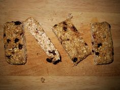 PHOTO: Several times, I brought homemade organic oat bars to the gym.   Organic oats + dark chocolate chips + organic raisins + organic sunflower seeds + naturally sweetened with honey & lemon juice + 2 cups of cooked organic oatmeal as binder   #organic #eatclean #vegetarian