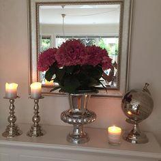 #Repost @anne.sjothun  Rihanna vase fra Classic Living ser fantastisk ut hjemme hos @anne.sjothun #classicliving #homedecor #homedetails #classy #glam #shabbychic #details #decorate #home #myhome #livingroom #finahem #inspiration #inspirasjon #interior123  #interior4all @classicliving