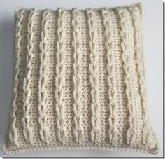 Crochet Stitches Ideas Free Pattern - Crochet Cable Loop Pillow Case - This cozy Crocheted Cable Loop Pillow is made by crocheting chain loops and connecting them together, an easier way to crochet cables. Crochet Pillow Cases, Crochet Cushion Cover, Crochet Pillow Pattern, Pillowcase Pattern, Crochet Cushions, Knit Pillow, Crochet Stitches Patterns, Bag Crochet, Crochet Cable